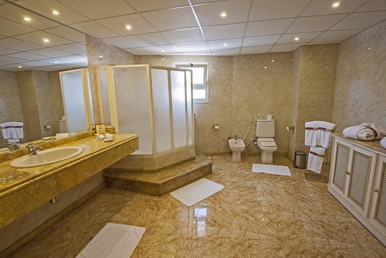 Sea Star Beau Rivage Hotel-Hurghada- room-Royal Suite-bathroom-1