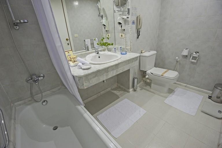 Sea Star Beau Rivage Hotel-Hurghada- room-Standred -bathroom